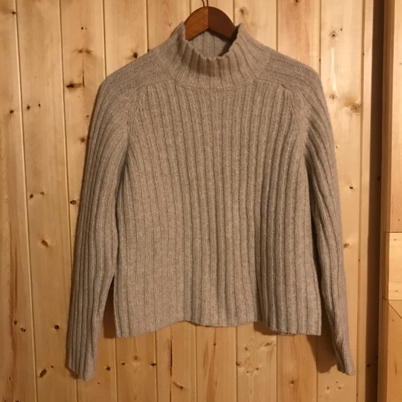 🔥The Limited America Neutral Toned Knit Sweater